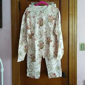 Vintage Victoria Secret PJ set. NWT